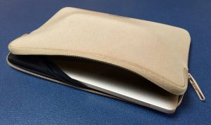 Tucano MacBook sleeve