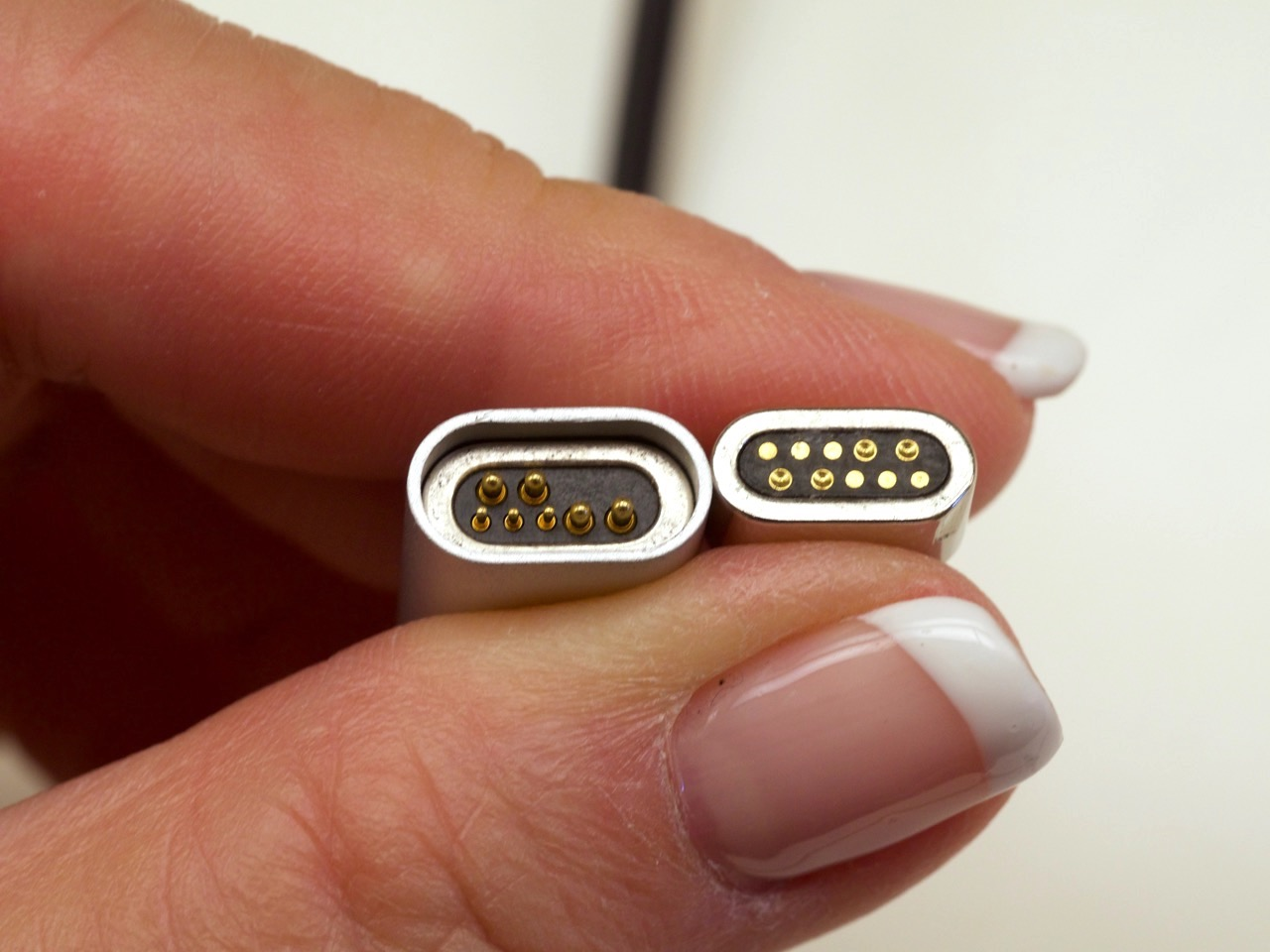 Macally magnetic USB C connector