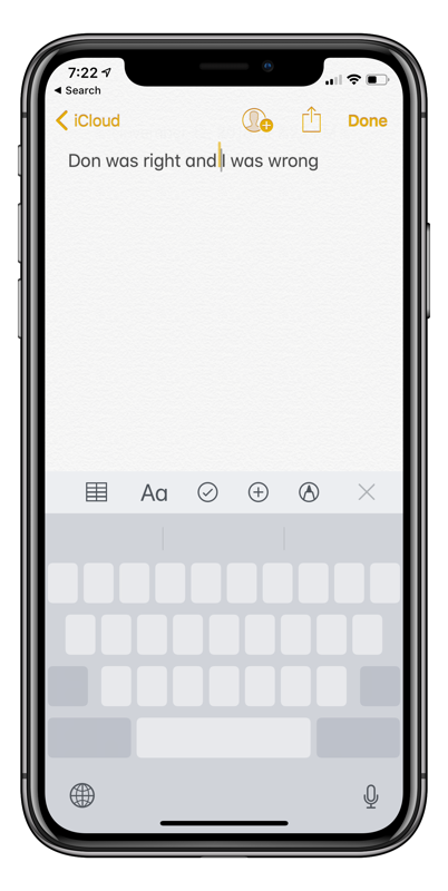 IPhone keyboard turns into trackpad