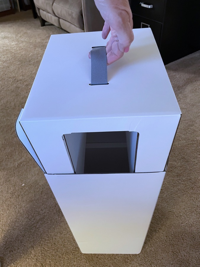 Pro Display XDR Internal Box Structure with snazzy handle